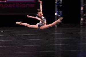 Sophia Lucia over-split leap | Extreme flexibility | Pinterest