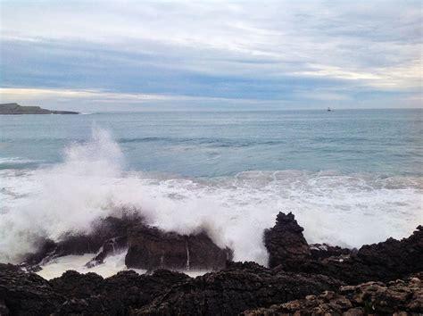 Olas, olas y más olas rompen en la Magdalena | EL ...