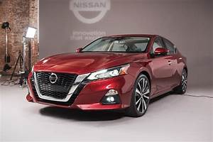 Nissan Hybride 2018 : 2019 nissan altima first look the altimate accord challenger returns motor trend canada ~ Melissatoandfro.com Idées de Décoration