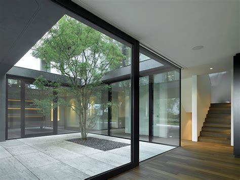 Moderne Häuser Mit Innenhof by B 228 R Heule Architekten Ag