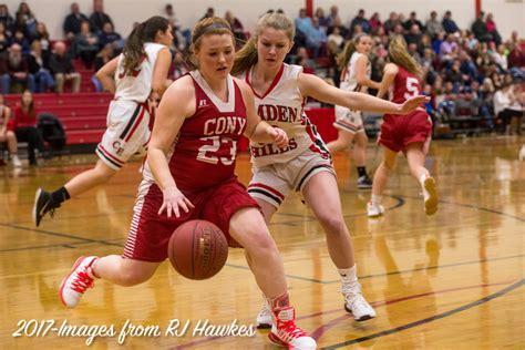 foto de Camden Hills girls overcome a determined Cony team