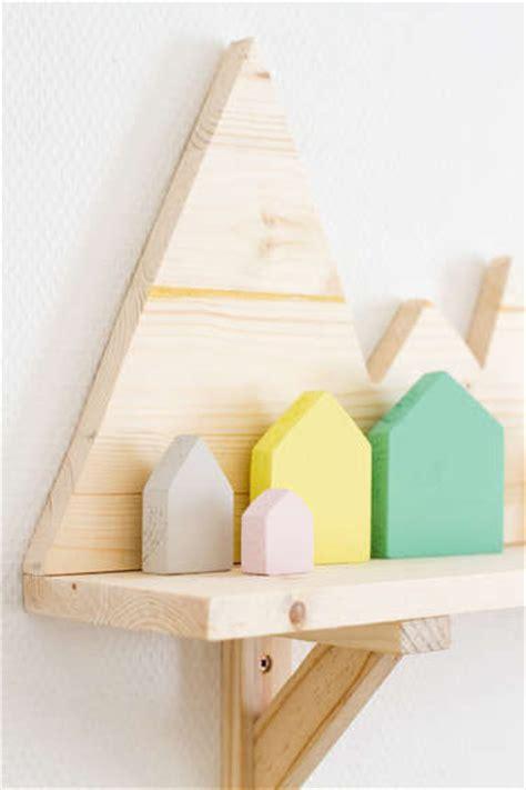 houten plank met bergen woontrendz