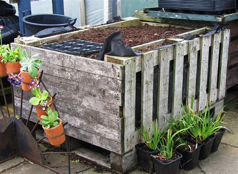 Fabulous Ideas For Using Recycled Items In Your Garden