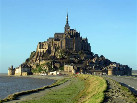 mont michel normandie 301 moved permanently