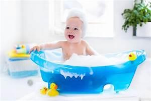Antirutschmatte Badewanne Kind : wie oft sollte man kleinkinder baden alle tipps rund um die badewanne ~ Eleganceandgraceweddings.com Haus und Dekorationen