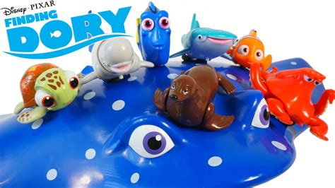 Disney Pixar Finding Dory Movie Toys Swigglefish Rolling