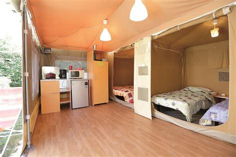 chambre 2 personnes bungalow toilé caraïbes 2 chambres 4 personnes 20m