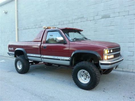 find   lifted chevrolet silverado    lift