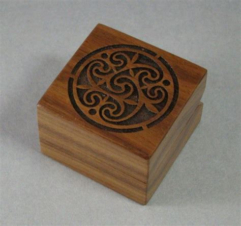 buy a crafted laser engraved engagement ring box with celtic design rb free shipping