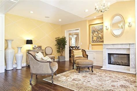 yellow bedroom paint colors sherwin williams sunbeam yellow bedroom in 2019 yellow 17899 | 7a8f18f57d4b6764a5c9ca7a5064eca9