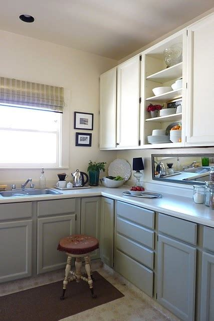kitchen cabinets white on top on bottom 375 best images about kitchen ideas on vinyl 9862