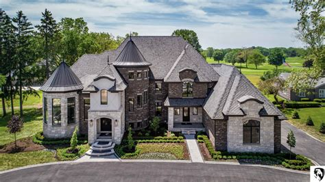 Sapphire Luxury Homes | Homes of the Rich