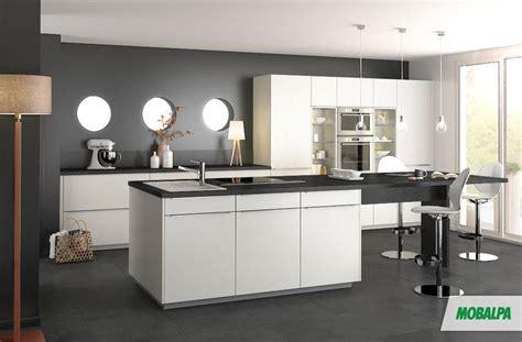 cuisine blanche et mur gris stunning cuisine blanche mur gris anthracite contemporary