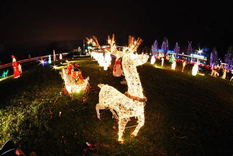 rhode island christmas light displays why we love national chain 39 s holiday display rhode