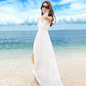 beach dress dressed up girl With long white beach wedding dress