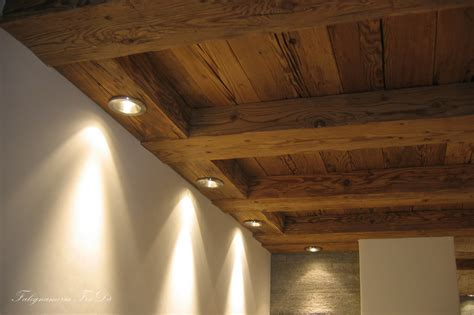 rivestimento soffitto in legno rivestimento soffitto mansarda ispirazione per la casa