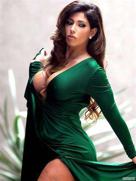 carmen ortega wallpapers images  pictures backgrounds