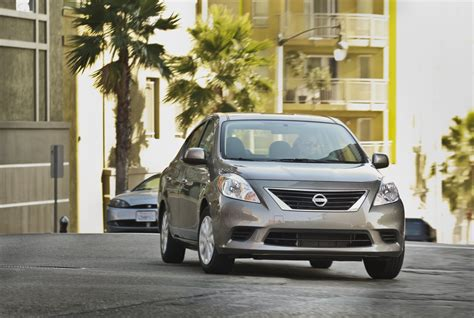 nissan versa review ratings specs prices