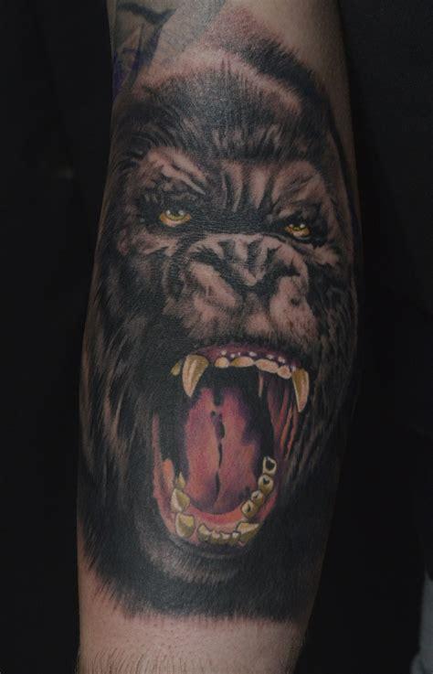 realistic gorilla aggressive nature ink tattoo