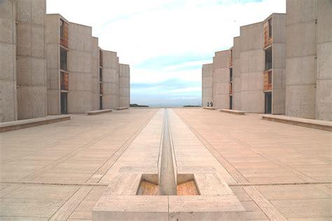 Louis Kahn Salk Institute in La Jolla, California