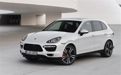 2014 Porsche Cayenne Turbo S Hits The Track: Video