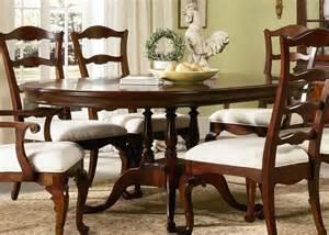highland home round pedestal table dining room furniture