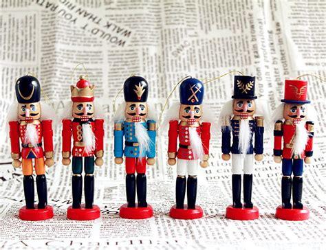 cheap nutcracker soldiers wholesale toys wooden dolls 12cm classic nutcracker walnut soldiers figure box packing