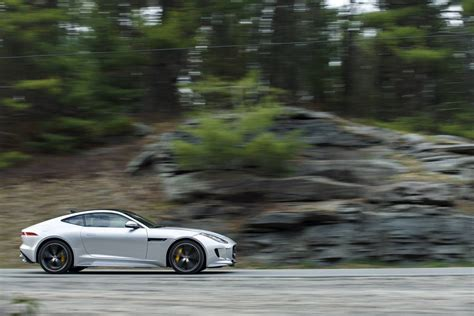 Jaguar F-type Gets Away