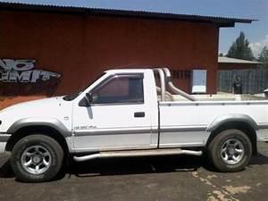Isuzu Kb 320 V6 Lx