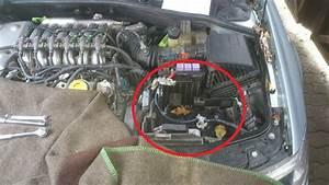 Changer Batterie Scenic 3 : 1 batterie ausbauen laguna ii 3 0 24v m gasanlage z ndspule wechseln kein problem ~ Gottalentnigeria.com Avis de Voitures