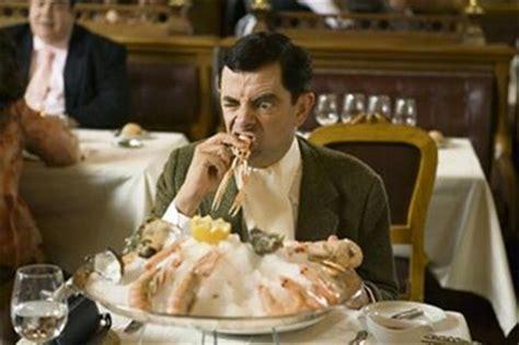mr bean cuisine etiquette gaffes table manners cristiane cardoso cristiane cardoso