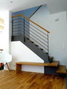 farbe wohnzimmer schrge modern und rustikal mit treppenhaus dekoration inspiration innenraum und möbel ideen