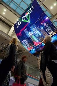 LG ELECTRONICS DEBUTS WORLD'S LARGEST OLED DISPLAY | LG ...