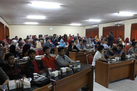 Fakultas Ekonomi UII Mengadakan Pelatihan Penulisan Jurnal ...