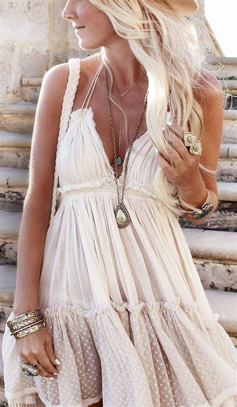 Boho Chic u2013 Bohemian Style For Summer 2018 | FashionGum.com