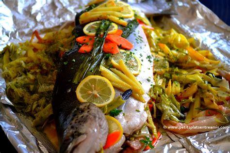 cuisiner un saumon entier saumon farci aux petits légumes petits plats entre amis