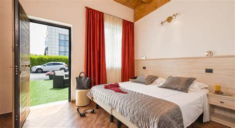 prezzo ingresso zoomarine hotel vicino a zoomarine hotel moderno pomezia