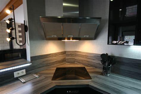 hotte cuisine verticale cuisine laquée par meubles jem