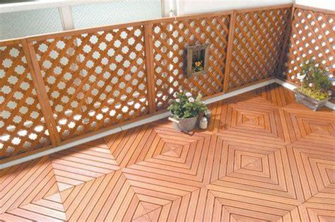 Holzfliesen Für Balkon by Holzfliesen Auf Dem Balkon Der Richtige Bodenbelag F 252 R