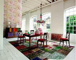 le tapis multicolore apportez des touches de joie dans l With tapis couloir avec canapé contemporain roche bobois