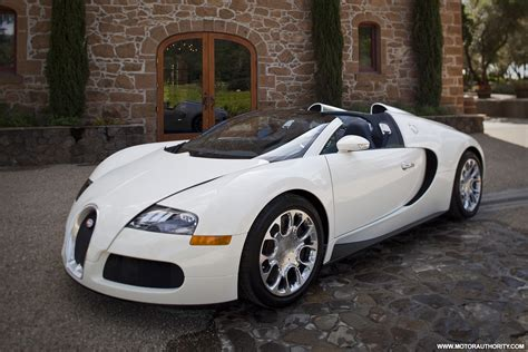The veyron 16.4 super sport is completely sold out. Bugatti reveals more photos of Veyron Grand Sport as production ramps up