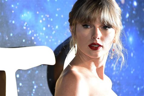 Taylor Swift to re-release 'Fearless,' remake of 'Love ...