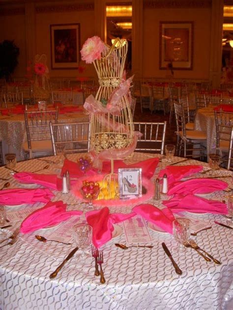 Wire mannequin centerpiece idea   Bridal shower