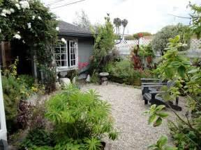 pea gravel patio photos all home design ideas