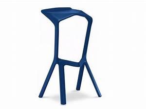 Tabouret De Bar Bleu : 1000 images about mobilier cuisine tabouret et tabouret de bar on pinterest ~ Teatrodelosmanantiales.com Idées de Décoration