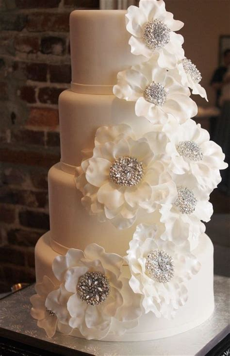 elegant  simple white wedding cakes ideas
