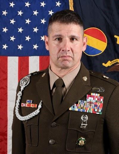 leaders  army training doctrine  command