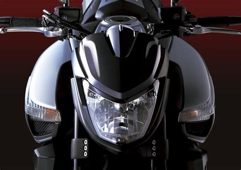 Suzuki-b-king-front