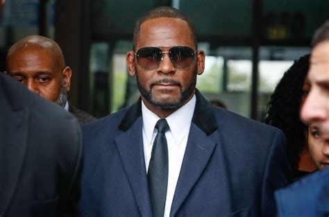 Flower pills (coma cinema cover) 2. R. Kelly 'Likely Diabetic' With High Risk of COVID-19 Complications, Says Attorney - Raptology