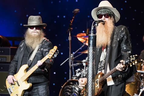 ZZ Top bring 'a hell of a show' to DTE Energy Music ...